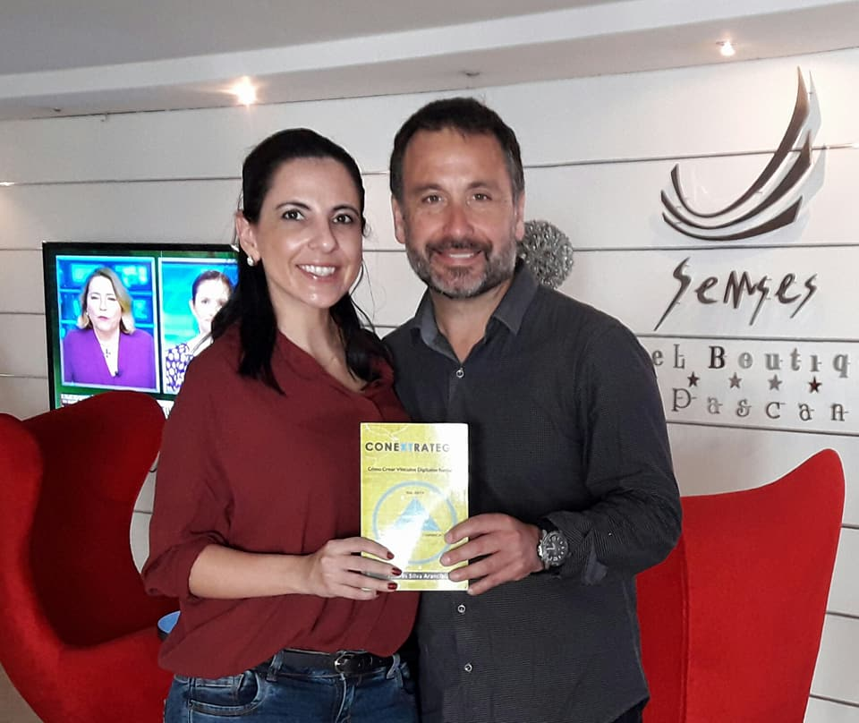 andres silva arancibia, conextrategia, marketing digital, libro, conecta, bolivia, claudia claver