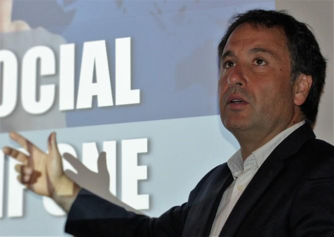 Andrés Silva Arancibia Speaker Flumarketing 2016