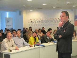 andres-silva-arancibia-conextrategia-puc-clase-ejecutiva-uc-pontificia-universidad-catolica-de-chile-2016