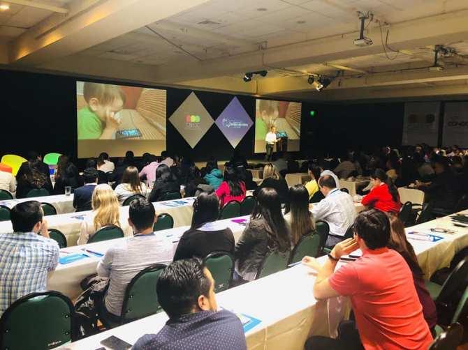 andres-silva-arancibia-marketing-digital-conferencias-seminarios-charlas-congresos-eventos-cx-expereicia-cliente-experto-especialista