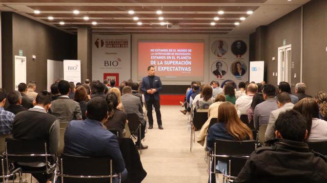andres-silva-arancibia-experto-marketing-digital-transformación-estrategia-speaker-conferencias-seminarios-charlas