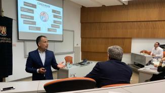 andres_silva_arancibia_universidad_adolfo_ibañez-speaker_seminario_transformación_digital_experto