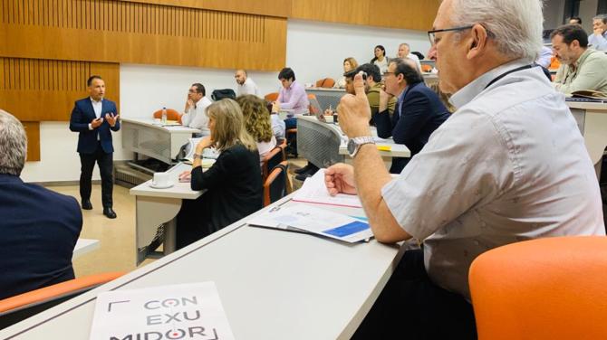 andres_silva_arancibia_universidad_adolfo_ibañez_speaker_seminario_transformación_digital_experto_profesor_conexumidor